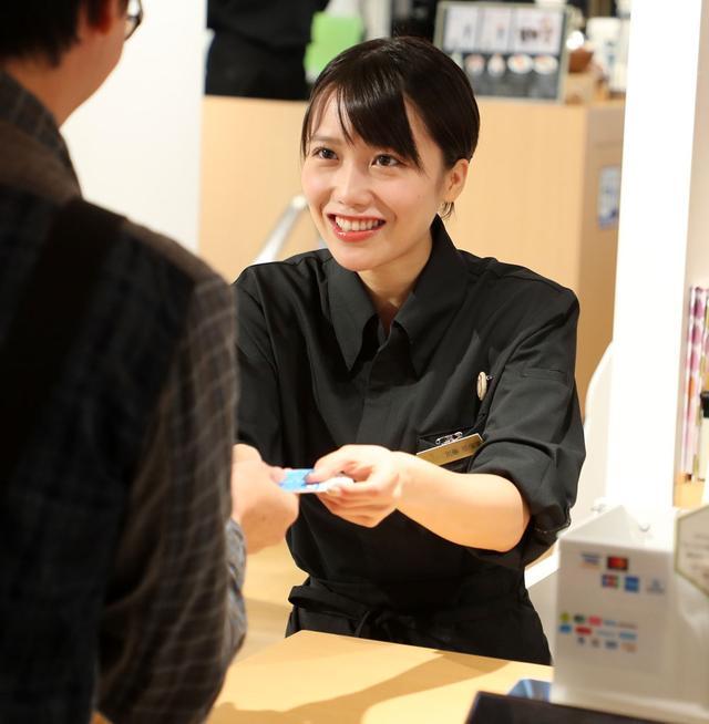 画像3: 茨城出身の女優「加藤里保菜」が、茨城県のアンテナショップ「IBARAKI sense」の一日店長を体験。「これからも地元茨城の魅力を発信していきたいです。将来は茨城大使になりたいでーす」