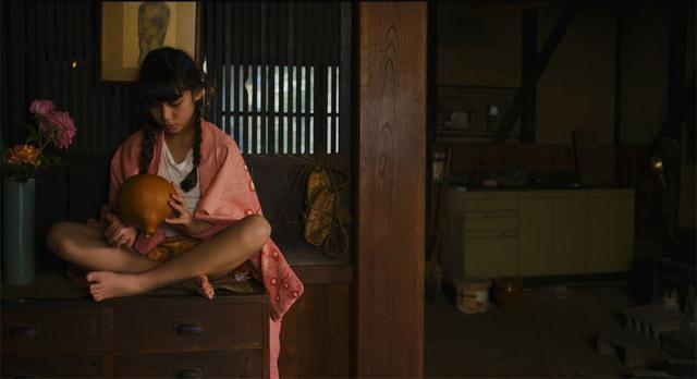 画像3: 速水監督の長編デビュー作『クシナ』が、いよいよ7月24日に公開。主役クシナを演じた郁美カデールは「台本を読みながら遊んでいたっていう感覚でした」
