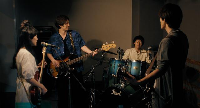 画像4: シンガーソングライター白波多カミンが映画初主演を飾った『東京バタフライ』が9月11日より公開。「私の全部を出し切ってやる」と、意気込んで演技に取り組んだ