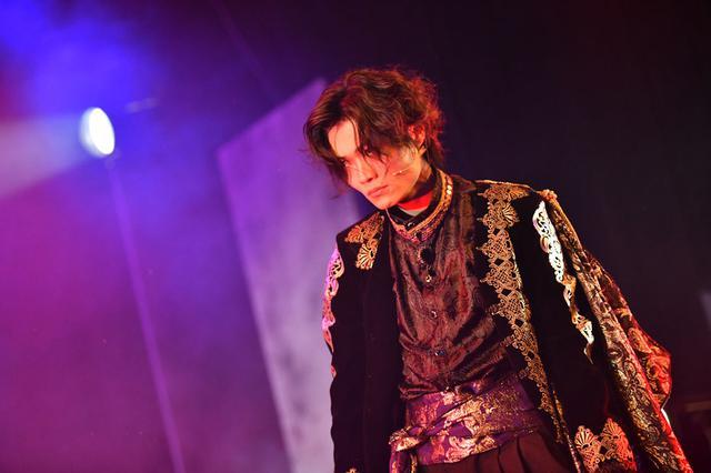 画像: ≪第1幕≫ 鬼気迫る表情のヴラド3世:佐藤弘樹
