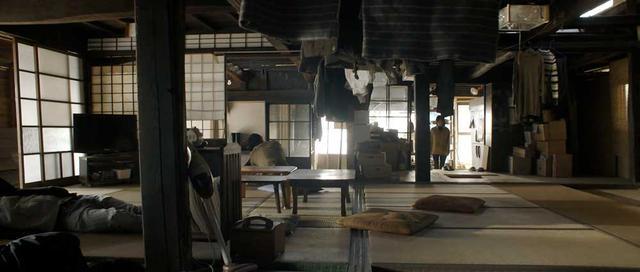 画像2: 各種映画祭で好評を得た短編『stay』がいよいよ公開。社会の縮図に背を向けながらも、それに囚われている姿を生き生きと演じた「石川瑠華」&「遠藤祐美」にインタビューした