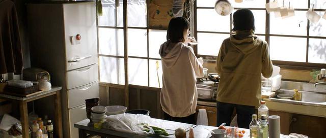 画像3: 各種映画祭で好評を得た短編『stay』がいよいよ公開。社会の縮図に背を向けながらも、それに囚われている姿を生き生きと演じた「石川瑠華」&「遠藤祐美」にインタビューした