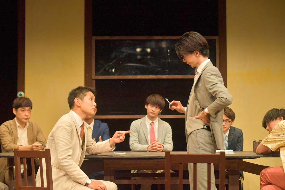 画像1: 劇団ナイスコンプレックス・プロデュースの舞台『12人の怒れる男』が大阪市立芸術創造館にて開幕