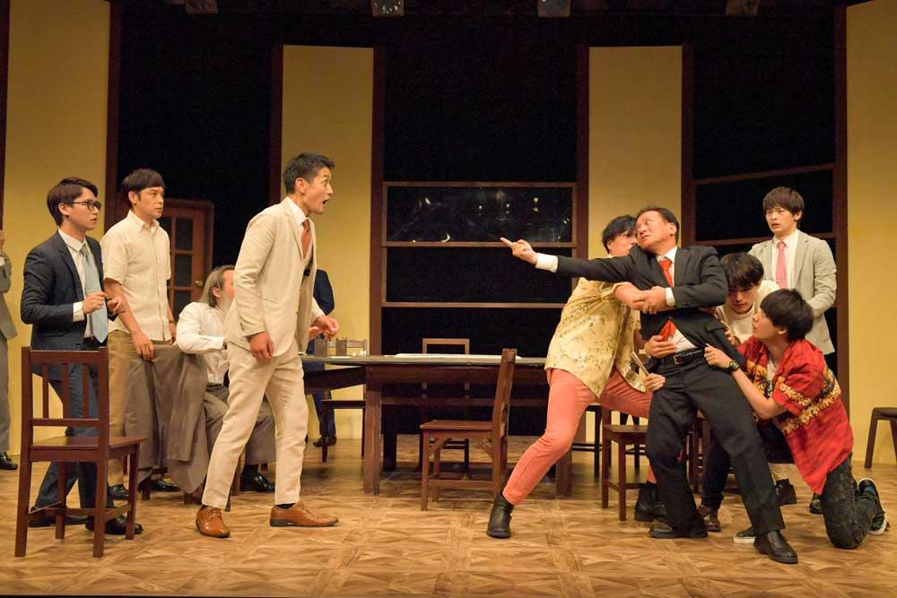画像3: 劇団ナイスコンプレックス・プロデュースの舞台『12人の怒れる男』が大阪市立芸術創造館にて開幕