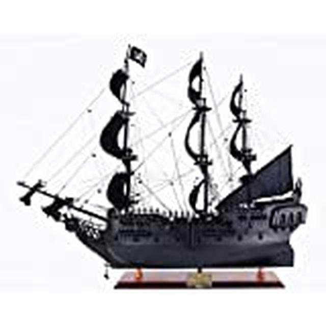 画像: Amazon | パイレーツオブカリビアン ブラックパール号 Revell 05699 Pirates of the Caribbean Limited Edition Black Pearl [並行輸入品] | プラモデル 通販