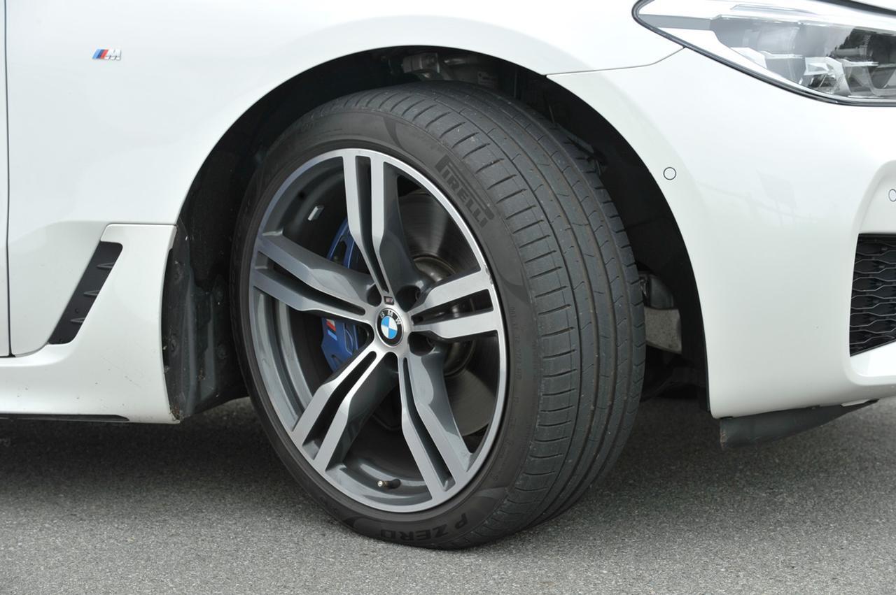 画像: 新型6シリーズ グランツーリスモのタイヤサイズはフロント245/40R20、リア275/35R20。ピレリのP ZEROを履く
