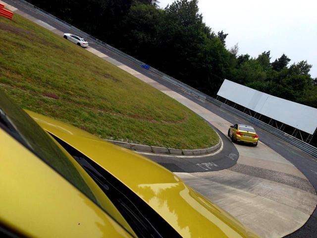 画像: ノルドシュライフェのコーナー。こうした超低速コーナーから超高速コーナーまで、20.832kmのコースの中には大小172ものコーナーが存在する