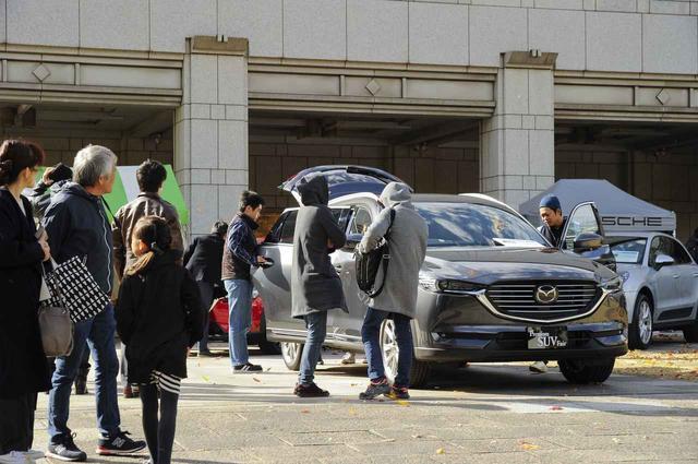 画像: いま、大人気の輸入車/国産SUVが25台展示。実際に見て触って座ることも可能
