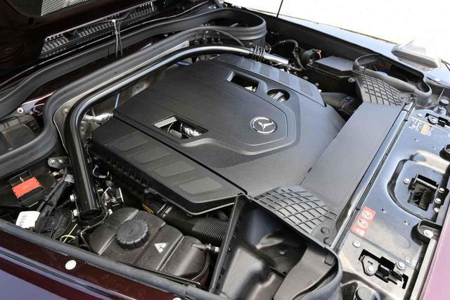画像: G550は最高出力422psを発生する4リッターV8ツインターボエンジンを搭載