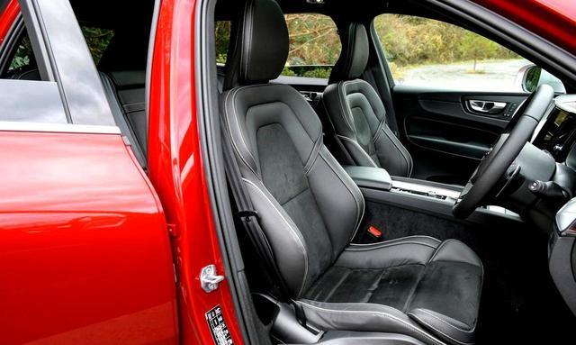 画像: ヌバック/ファインナッパレザーコンビネーションを使用したRデザイン専用スポーツシート。