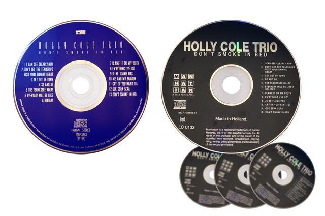 画像: 筆者がリファレンスに使用している音源「ドント・スモーク・イン・ベッド/ホリー・コール・トリオ」。これまでに日本盤1枚(左)と、オランダ盤4枚を購入している。