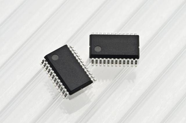 画像: IC内部回路に発生するコモンモードノイズを極限までゼロに近づけるA.R.C.N_ZERO circuitを組み込んだ電子ボリュウム。音楽の瞬時応答性改善に成功したとのこと。
