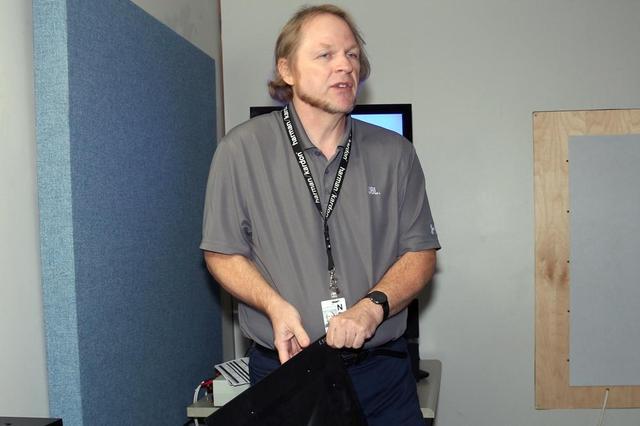 画像: JBLのR&D部門でエンジニアを務めるクリス・ヘイゲン氏。L100 Classic開発では、主要スタッフとして腕を振るった人物だ。