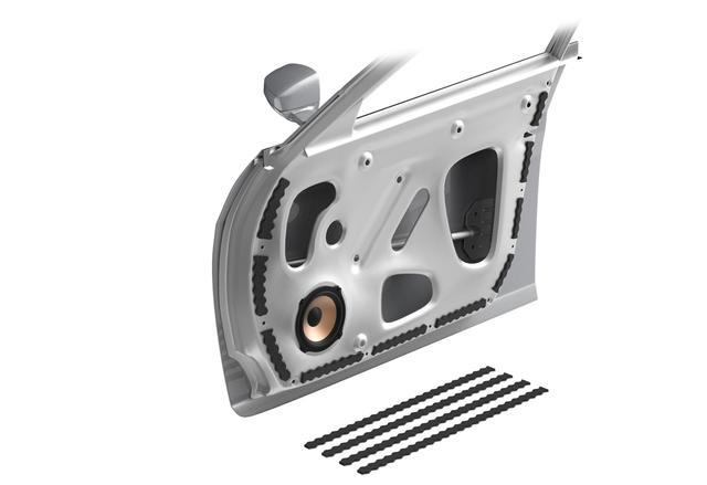 画像: ATH-AQ444の施工例。ドアパネルの縁にそってインナーパネルと接触する部分に張り込んで、音漏れやビビりを抑制する効果が期待できる。