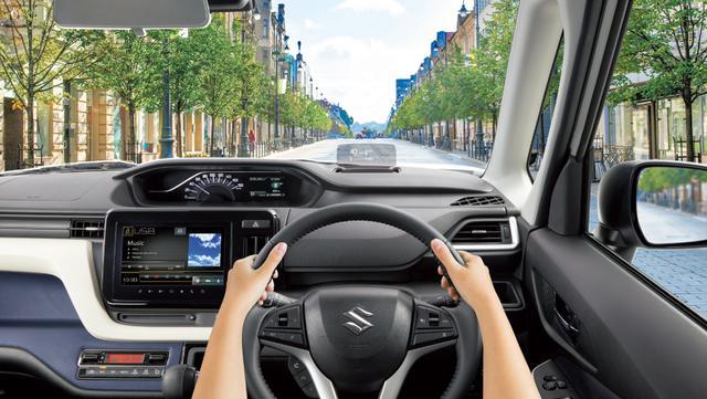 画像: 運転席の前方に配置されたヘッドアップディスプレイのイメージ