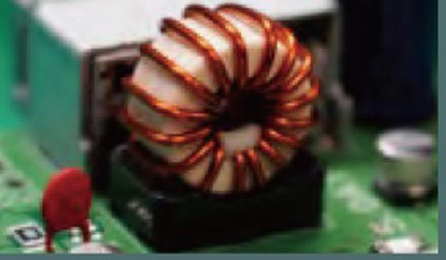 画像: 新たに採用された低DCRチョークコイル。抵抗値の低いデバイスの採用により、電源回路を最適化し、高音質化に大きく寄与しているという。(画像提供:Panasonic)