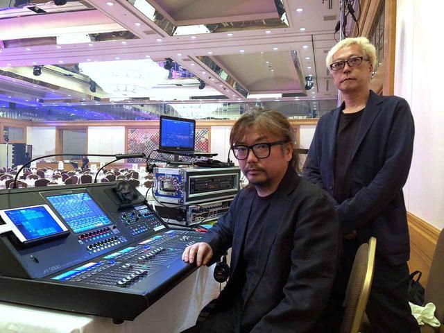 画像: 「スタジオトライデント」の代表、岩田光司氏(写真右)と、音響オペレーターを務めたフリー・エンジニアの河本正氏(写真左)