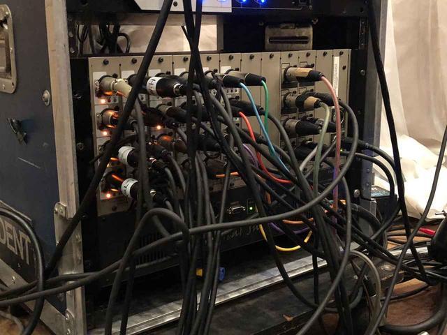 画像: 「M-5000」の入出力を担う「S-4000S」