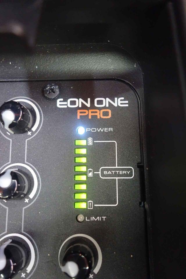 画像: バッテリーの残量が確認できるインジケーター