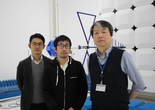 画像: 「3000 Digital」の生みの親を代表した3名。左から商品開発部PM2課大田祐平氏、商品開発部PM2課で主務を務める東嶋慎治氏。そして、商品開発部RF開発課の主事林 徹治氏