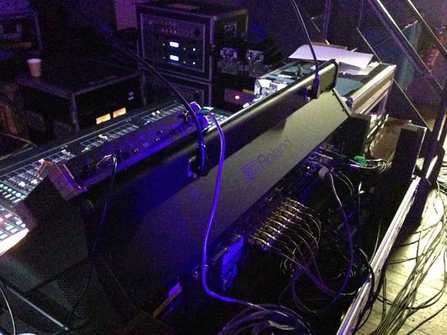 画像: 現場では「M-5000」内蔵の入出力もフル活用された
