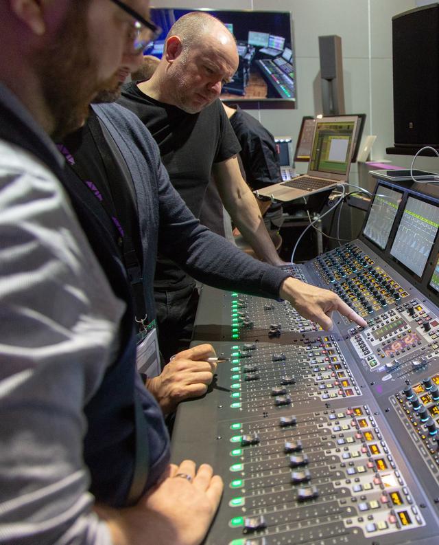 画像: 前回の『Prolight+Sound 2018』の様子。昨年は「Avid VENUE | S6L」の新しいコンポーネントが多数発表された
