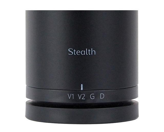 画像: 「Stealth」の大きな特徴であるボイスパターン選択。それぞれの特性は、内蔵のディスクリート回路によって変化する