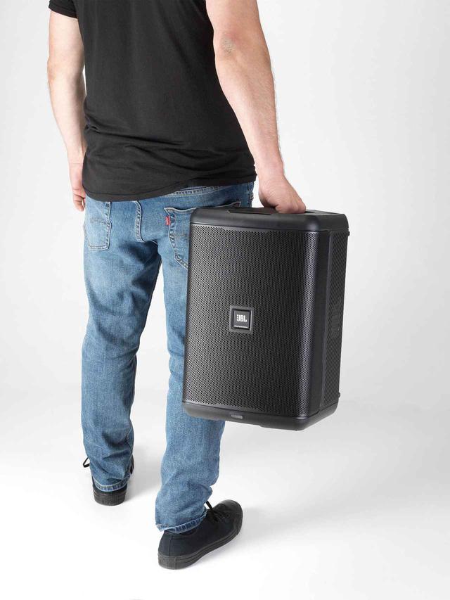 画像: 軽量・コンパクトで片手で簡単に持ち運べる