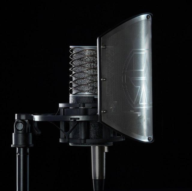 画像2: Aston Microphonesのコンデンサーマイク「Origin」に高級感溢れるクロコダイル調の塗装を施した限定モデルが登場。ポップガードを搭載したショックマウント「Aston Swift Shield」もバンドル