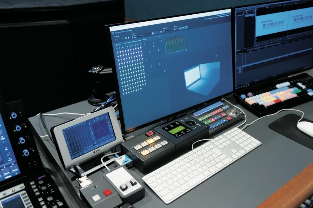 画像: ディスプレイには、Dolby Atmos HomeのPrint Master制作を行う「RMU」のコントロールGUIが表示されている