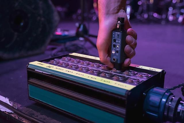 画像1: ポケットサイズで、音声信号や通線の入出力がチェックできる!SONNECT AUDIO社のポータブル型オーディオテスター「サウンドバレット」が発売中