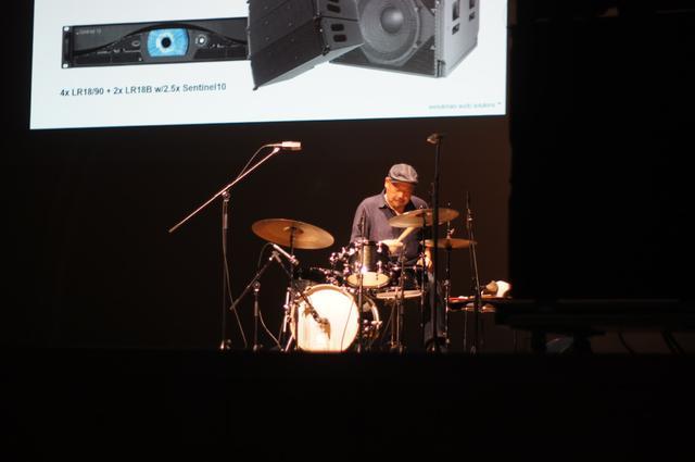 画像: ドラム演奏のサウンドデモンストレーション(Dr.武田栄)