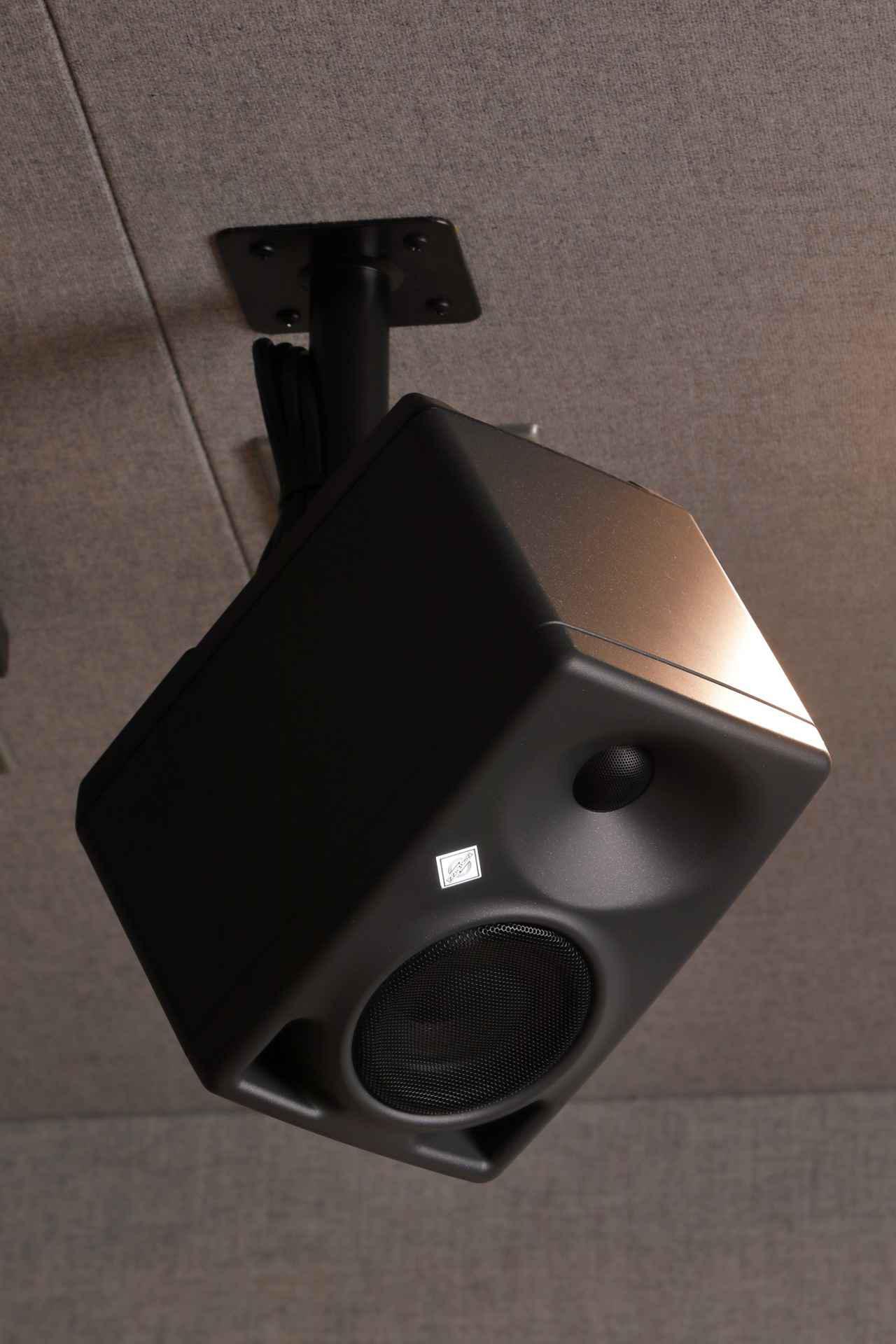 画像: ハイト・スピーカーはDSP内蔵の2ウェイ「KH 80 DSP」
