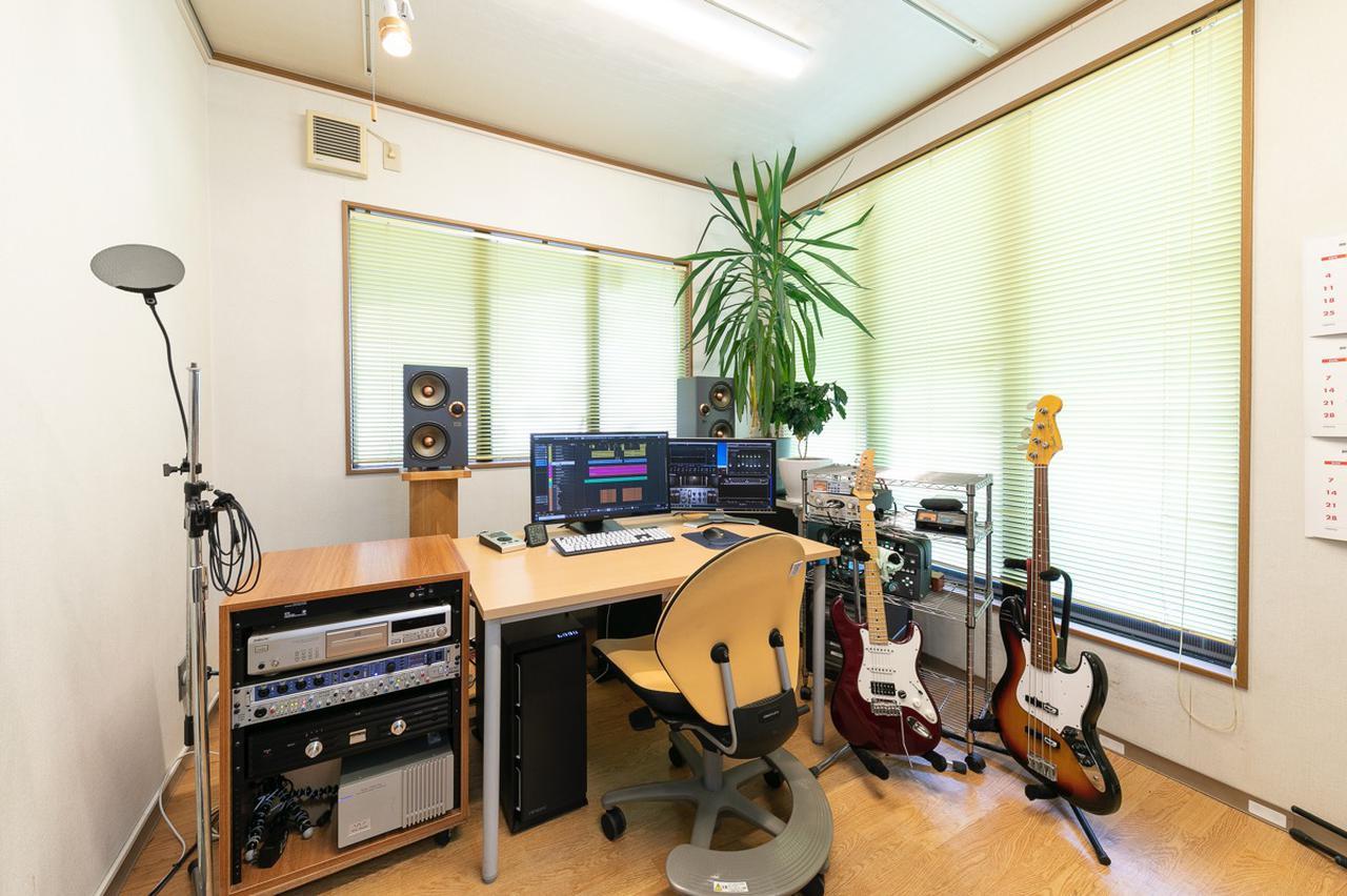 画像: 結音のスタジオ。効果音制作や作曲/編曲などで使用されるとのこと