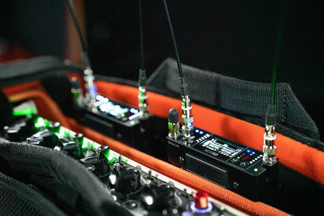 画像3: プロサウンド独占配信!!放送や映画のロケ、スポーツ中継などの使用に最適化した SHUREのハイエンド・ポータブルワイヤレス受信機ADX5D登場