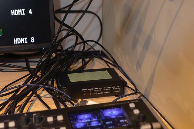 画像: IPエンコーダーのMEDIAEDGE K1000H
