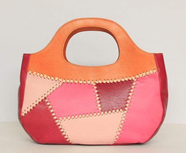 画像: 2「革好きのための欲張りバッグ」 金沢文化服装学院 アパレル造形デザイン科2年 狩野紗綾さん