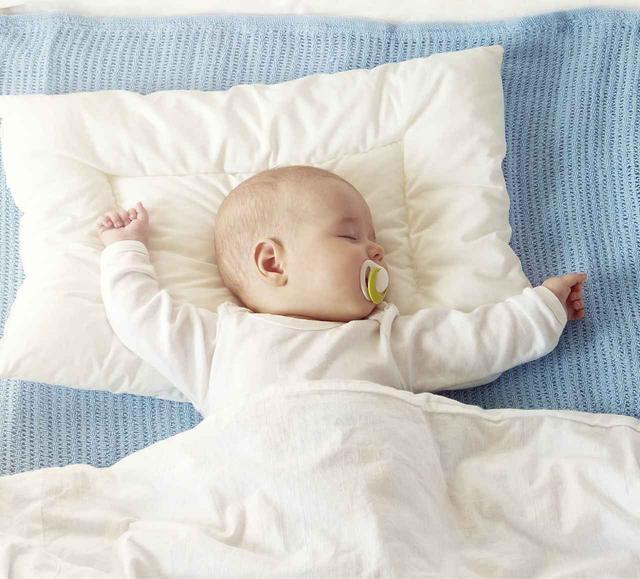 画像: 眠ることが大好きな赤ちゃんにも大人にも、清潔で安心・安全な「ダクロン®︎」布団と枕は上質で心地よい睡眠を約束してくれる