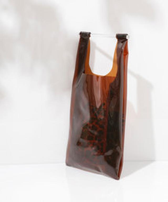 画像7: やっぱり、今持ってる服に気軽に取り入れられるのは、なんと言ってもバッグ&シューズ。そこで、アニマル柄のおススメのシューズとバッグも集めました。