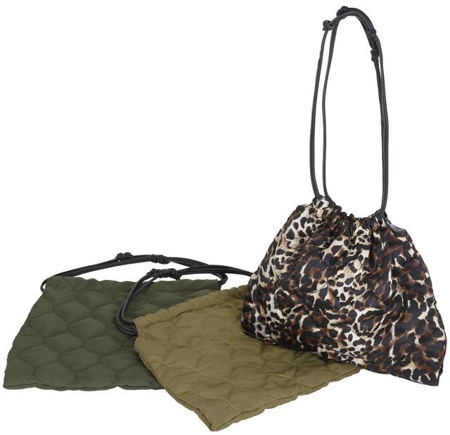 画像: ADAM ET ROPÉ 秋に持ちたいキルティングバッグ