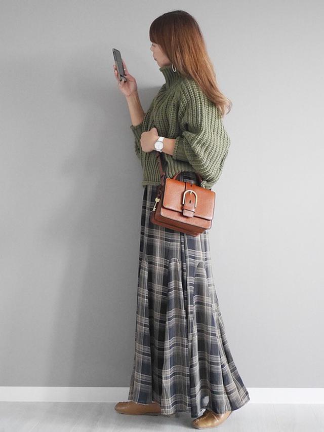 画像: 【H&M】ニット 【INTER FACTORY】 フレアロングスカート 5,082円(税込)