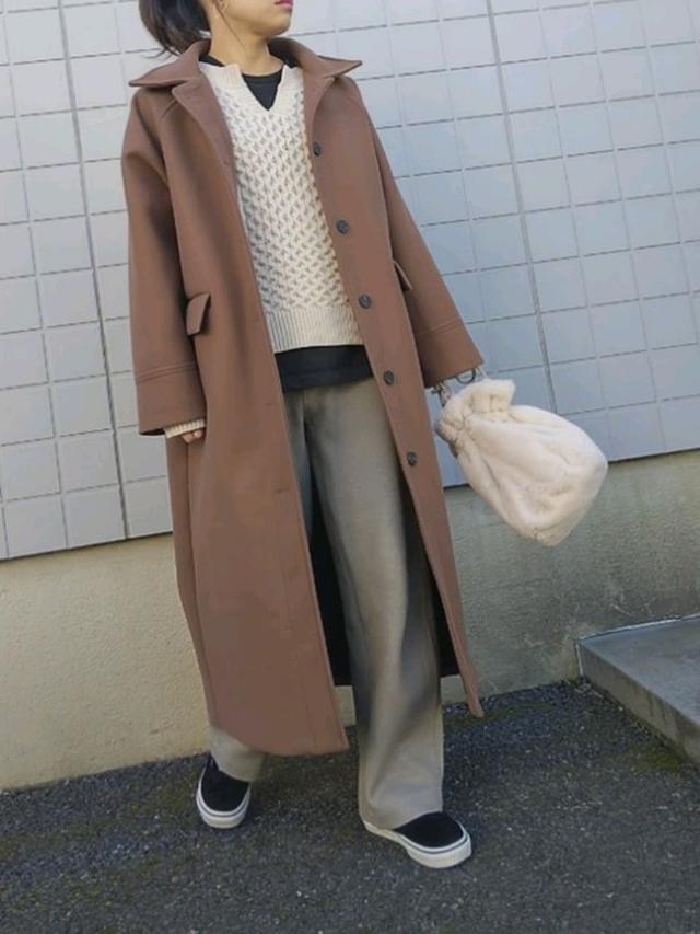 画像: トーンオントーンでまとめたマニッシュな装い