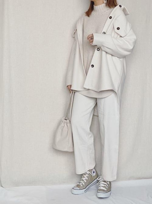 画像: オール白の洗練スタイル