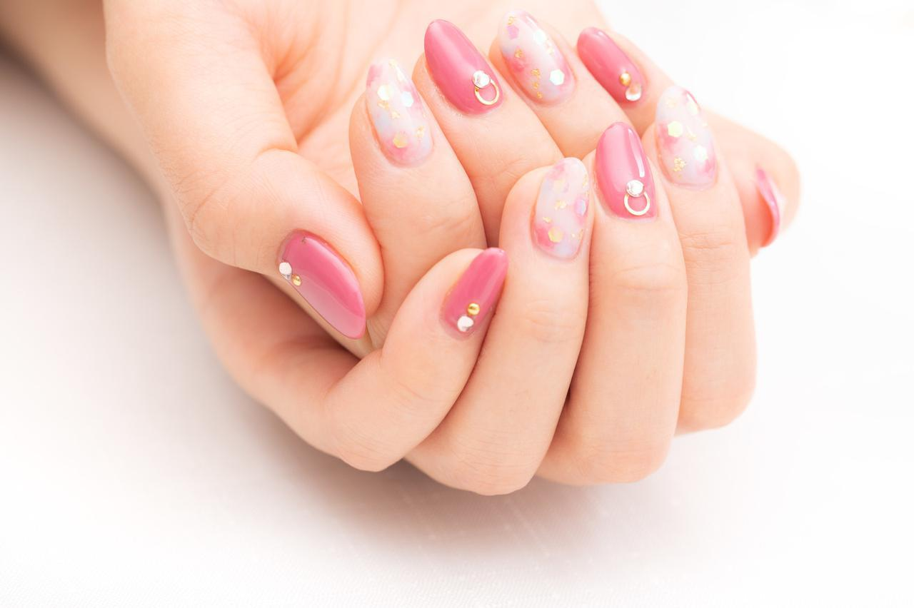 画像: 乾燥気味の爪にうるおいを