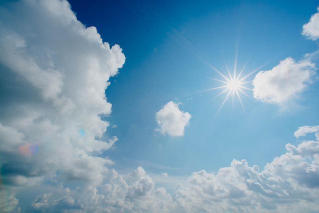 画像: 頭から顔・体まで紫外線対策!便利な日焼け止めスプレーたち