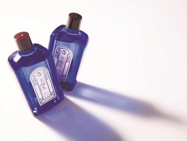 画像: 明色美顔水 薬用化粧水 800円(税別)/明色化粧品