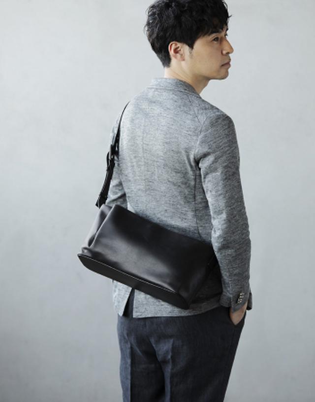 画像3: デザインのポイントは、 しなやかな革が生み出す「タックポケット」