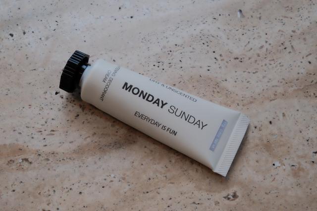 画像: 「Monday Sunday」シンプルなパッケージ