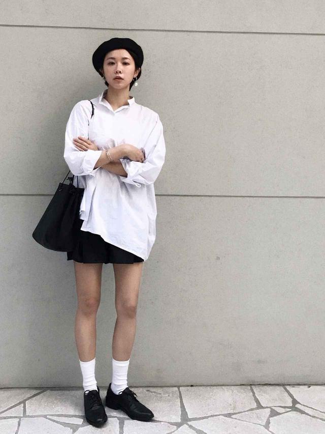 画像: 【靴下屋】ソックス平均価格1,000円【TOTEME】シャツ平均価格35,000円