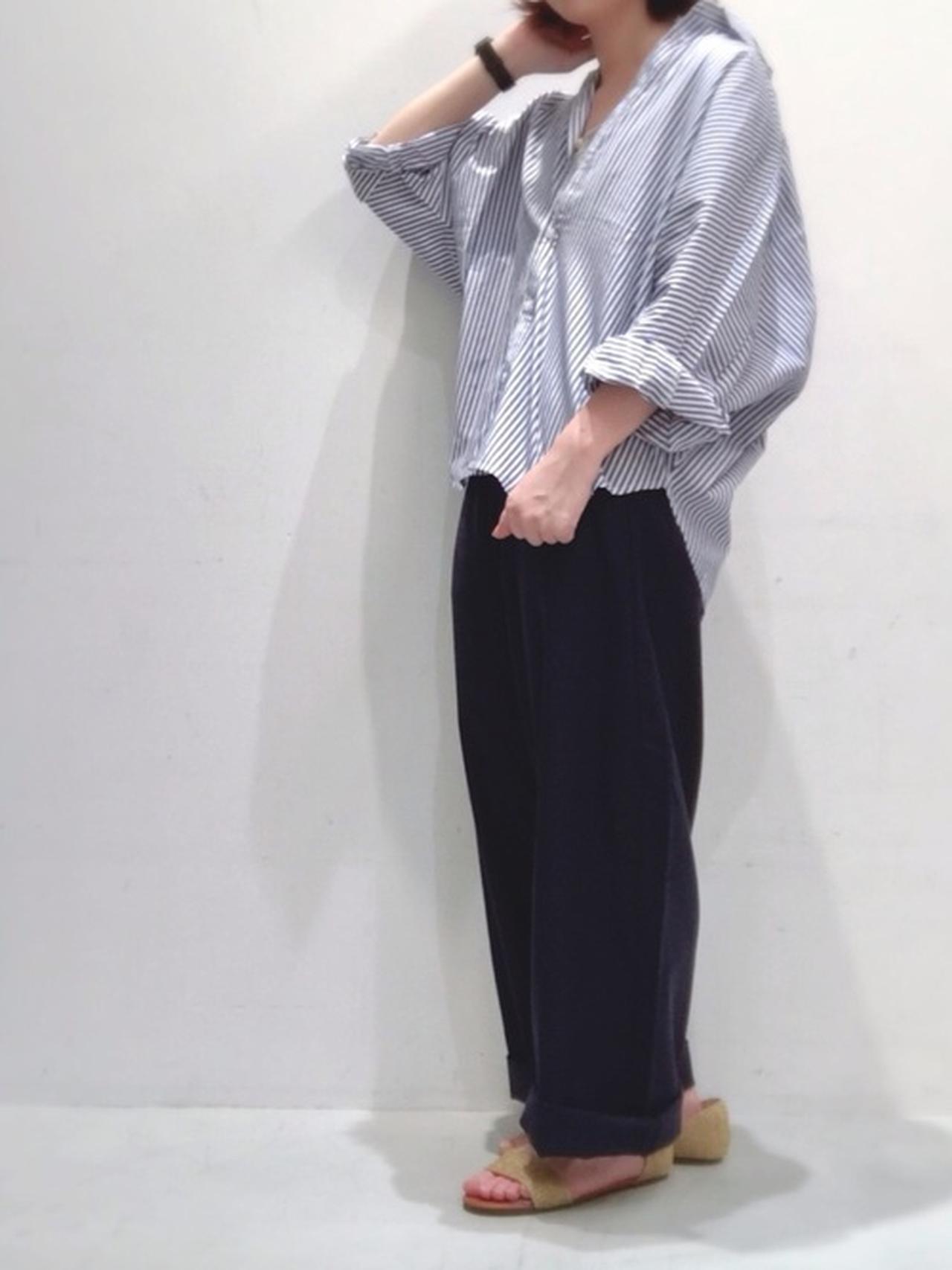 画像: 【te chichi TERRASSE】セパレートフラットシューズ 5,409円(税込み)【Lugnoncure】ドルマリンギャザーシャツ4,389円(税込)【Lugnoncure】 リサイクルリネンツイルワイドパンツ5,489円(税込)